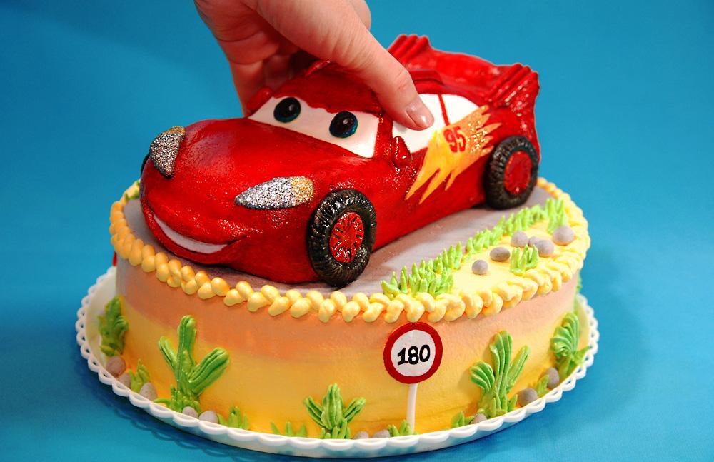 Фото тортов для мальчиков